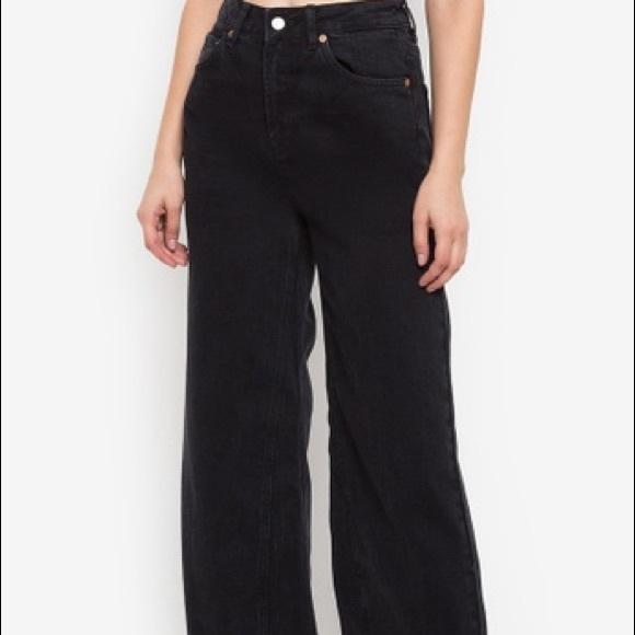 Topshop Denim - Cropped black denim wide jeans